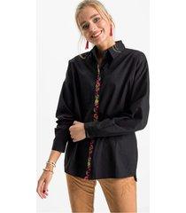 lange blouse met bloemenborduursel