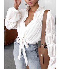 blusa anudada con mangas anudadas de diseño de botones blancos
