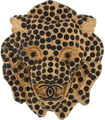 chanel pre-owned 2001 lion head brooch - gold