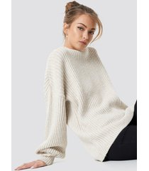 camille botten x na-kd high neck oversize sweater - beige