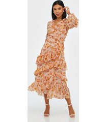 true decadence wrapped midi flower dress loose fit