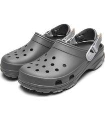 babuche crocs all terrain clog cinza