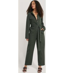na-kd trend jumpsuit i cargomodell - green
