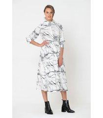 falda corta estampado abstracto