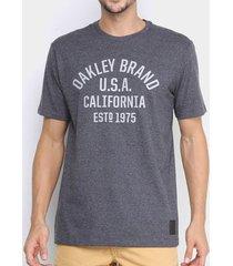 camiseta oakley athletic graphic tee grafite masculina