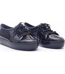 zapatilla negra pascalinas