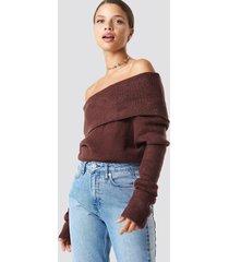na-kd offshoulder folded wide sweater - burgundy