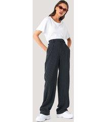 na-kd classic flared striped pants - black