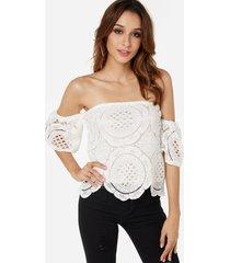 blusa de encaje blanco con blusa de forro
