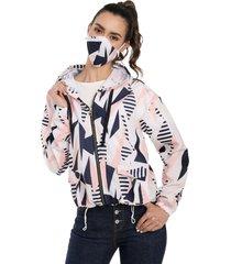 chaqueta mujer antifluido con tapabocas rachid blanca geometrica