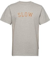ease t-shirts short-sleeved grå forét