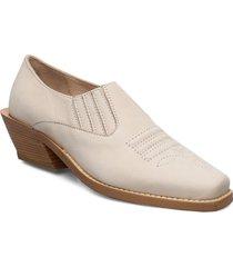 sally loafers låga skor creme nude of scandinavia