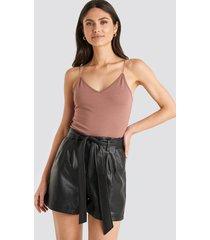 na-kd pu paper bag waist belted shorts - black