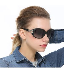 occhiali da sole da uomo in magnesio di alluminio polarizzati classici da uomo vogue occhiali da sole anti-uv da vacanza all'aperto