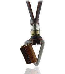 collana con pendente triangolo in cuoio
