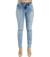calça jeans skinny colcci