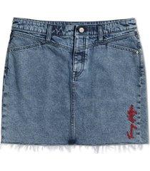 tommy hilfiger adaptive frayed-hem denim magnetic skirt