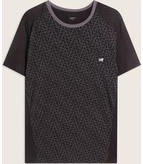 camiseta con estampado en frente y metido malla en contraste-l
