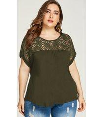 blusa corta con cuello redondo y diseño de encaje verde militar de talla grande de yoins