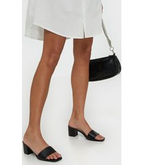 nly shoes all day sandal heel low heel