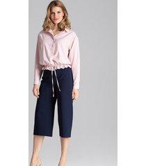 spodnie klasyczne z poszerzanymi nogawkami