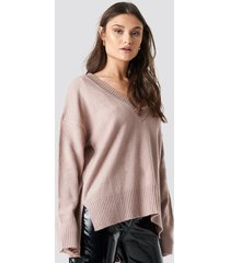 na-kd trend deep v-neck oversized sweater - pink