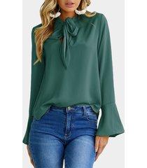 verde diseño blusa con mangas acampanadas con lazo