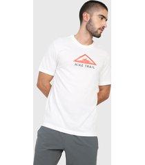 camiseta blanco-coral nike trail