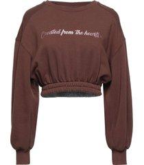 souvenir sweatshirts