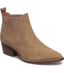 leila s shoes boots ankle boots ankle boot - heel brun shoe the bear