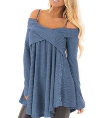 suéter de manga larga con hombros descubiertos y espalda cruzada azul diseño