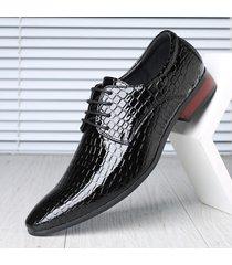 scarpe da uomo d'affari resistenti antiscivolo in pelle di grandi dimensioni