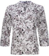 blusa con pechera estampado flores