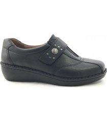 zapato negro cavatini celi