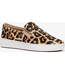 mk sneaker slip-on keaton in pelle effetto cavallino stampa leopardo - naturale (naturale) - michael kors