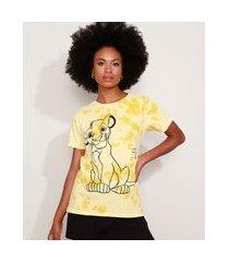 camiseta feminina simba o rei leão estampada tie dye manga curta decote redondo amarela