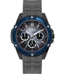 zegarek z mechanizmem wielofunkcyjnym