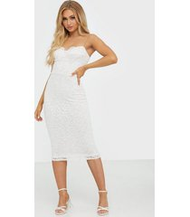 nly one lace cup midi bodycon fodralklänningar