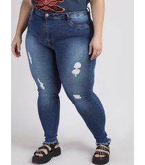 calça jeans feminina plus size sawary cigarrete cintura alta com rasgos e barra desfiada azul escuro