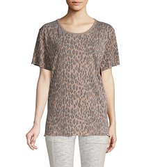 tourist leopard-print t-shirt