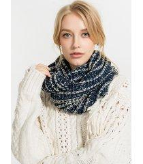 donna sciarpa ad anello invernale pesante in maglia all'uncinetto in colore misto