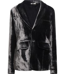 aleksandr manamïs suit jackets