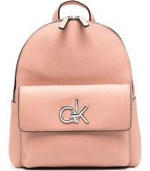 calvin klein logo-plaque faux-leather backpack - pink