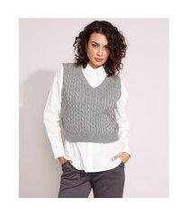 colete de tricô texturizado trança decote v cinza mescla