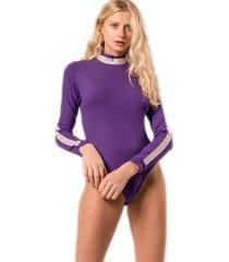 body date violeta élida