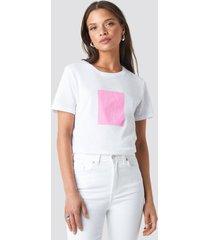 na-kd trend body printed tee - white