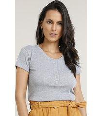 blusa básica com botões manga curta decote redondo cinza mescla