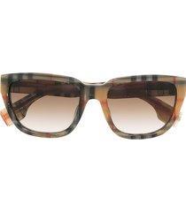 burberry eyewear icon stripe-print oversized-frame sunglasses -