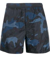 valentino camouflage printed swim shorts - blue