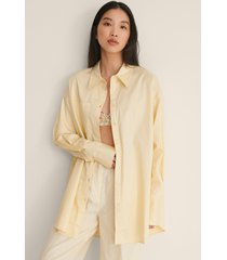 na-kd trend recycled oversize skjorta med ficka - yellow